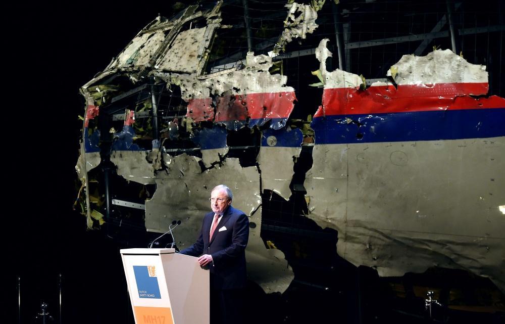 """Olandijos saugumo valdyba antradienį paskelbė galutinę tyrimo ataskaitą dėl """"Malaysia Airlines"""" reiso MH17 aviakatastrofos"""