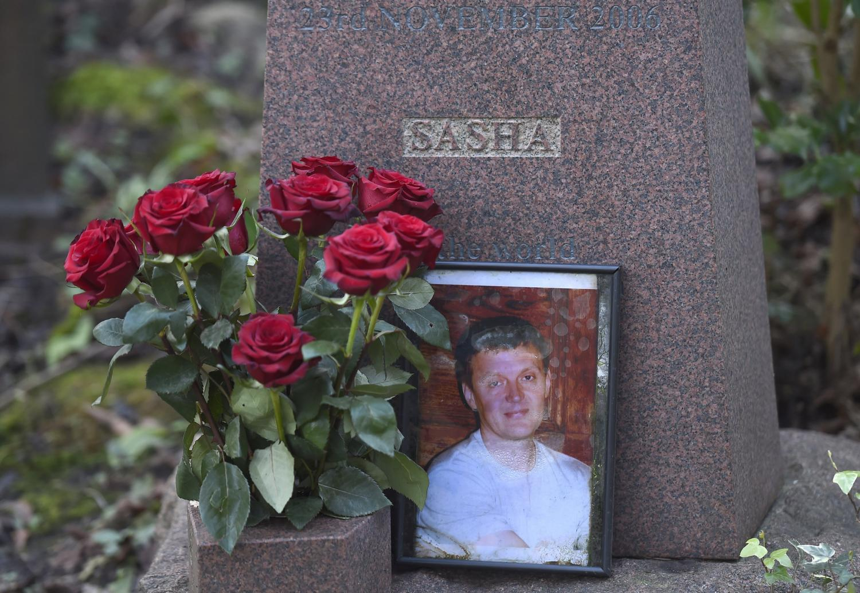 Aleksandro Litvinenkos kapas Londone. Britų teisėjas apkaltino Rusijos prezidentą Vladimirą Putiną galimai užsakius skandalingą žmogžudystę.