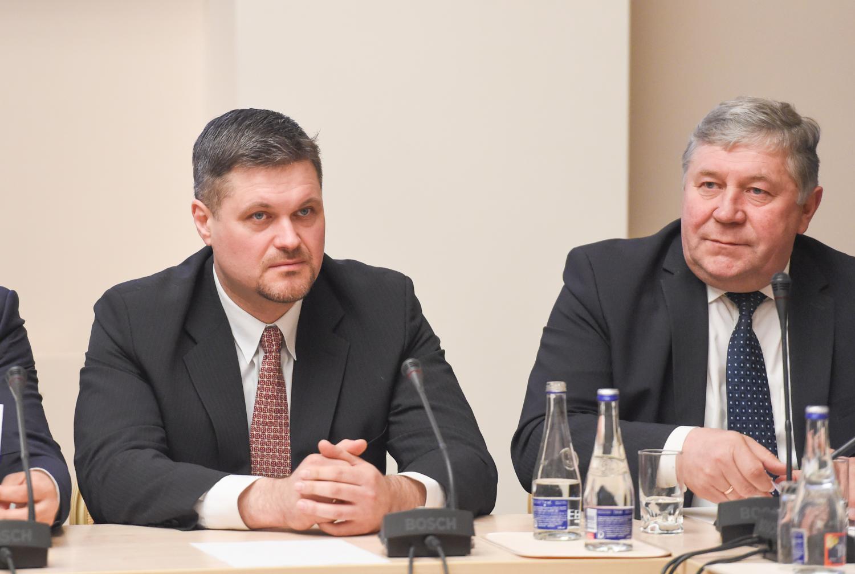 Prezidentė pasikvietė miestų merus diskutuoti dėl socialinių problemų sprendimų
