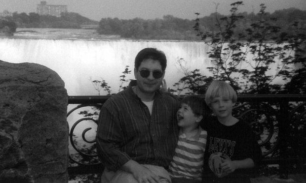 Andrejus Bezrukovas ir Jelena Vavilova ištisus dešimtmečius apsimetė Kanados piliečiais. Jų demaskavimas skaudžiai atsiliepė sūnums Timui ir Alexui.