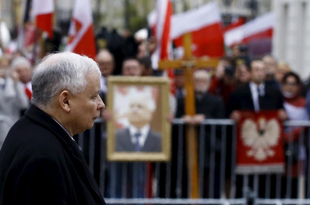 Jaroslawas Kaczynskis teigia siekiantis išsiaiškinti, kaip mirė jo brolis dvynys, Lenkijos prezidentas