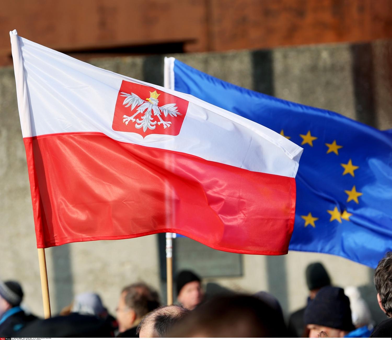 Lenkijos ir ES vėliavos