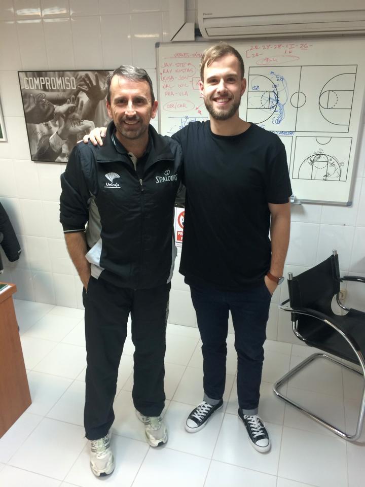 Krepšinio treneris J. Plaza su agentu T. Bulotu