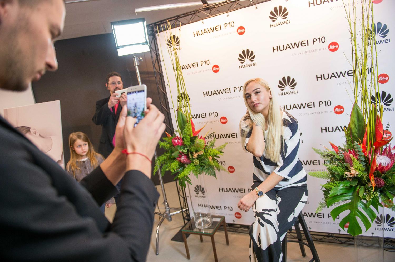 """""""Huawei P10"""" pristatymas"""