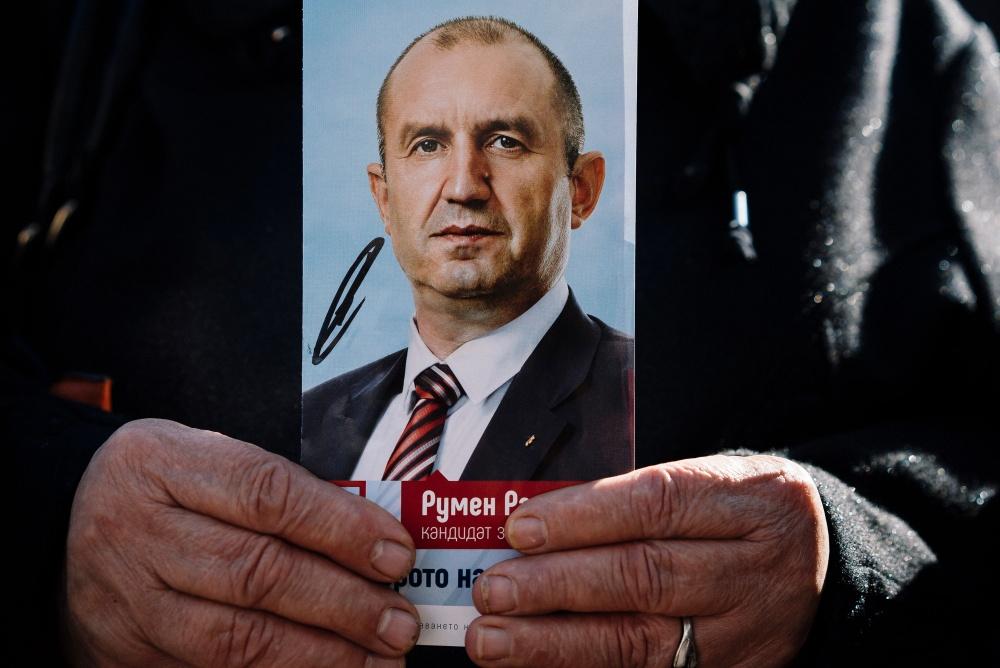 Bulgarijos prezidento Rumeno Radnevo rinkimų kampaniją galėjo kontroliuoti Rusijos žvalgyba