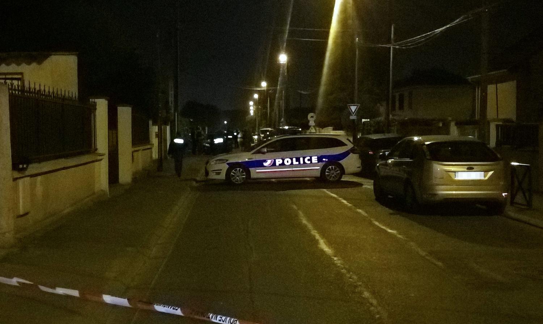 Krata įtariamo teroristo namuose Paryžiaus priemiestyje