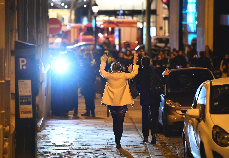 Po išpuolio pareigūnai budi Paryžiaus centre