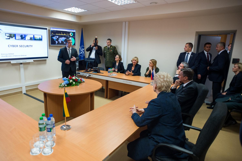 Dalia Grybauskaitė ir Slovėnijos prezidentas Borutas Pahoras Nacionaliniame kibernetinio saugumo centre