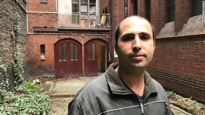 Faresas Naemas, pabėgėlis iš Sirijos, Vokietijoje tapo smurto auka, Nadine Schmidt/