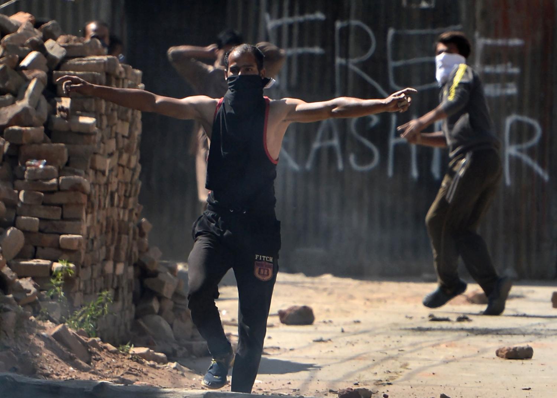 Riaušininkai Indijos administruojamame Kašmyre susirėmė su vietos policija