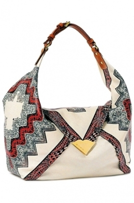 На фото модные сумки сезона весна-лето 2011 от Etro.